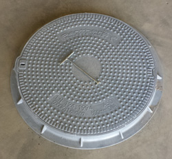 Residential Manhole in Concrete Tank